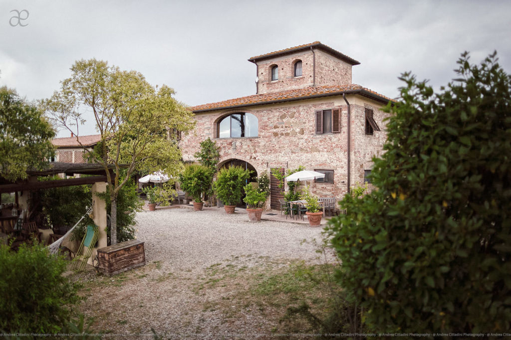Il grande prato wedding venue in Tuscany