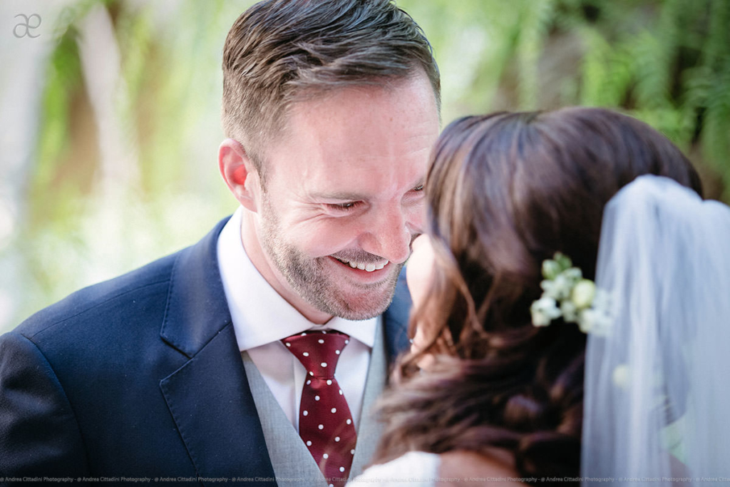 look at his eyes - Emotional wedding photography